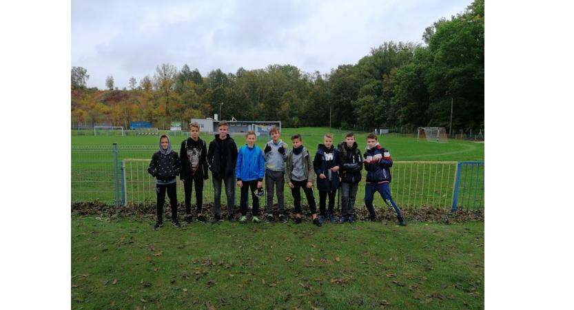Powiatowe Igrzyska Dzieci i Młodzieży w sztafetowych biegach przełajowych
