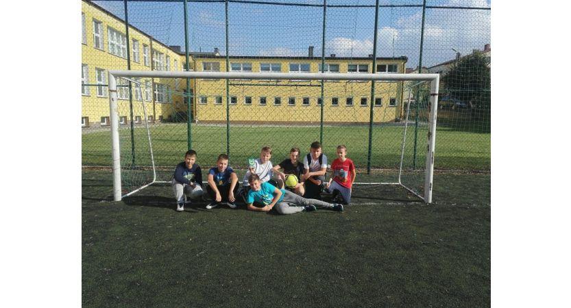 Read more about the article Gminny Turniej Dzikich Drużyn dla uczniów klas VII – VIII